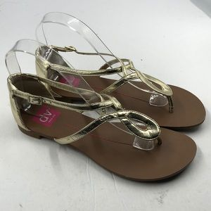 Dolce Vita Gold Leather Thong Sandals 7